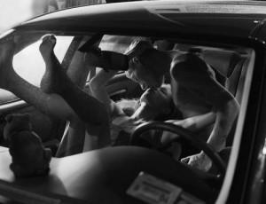 Couple_sexe_dans_la_voiture